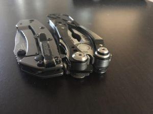 Kershaw Cryo II pocket knife vs leatherman skeletool