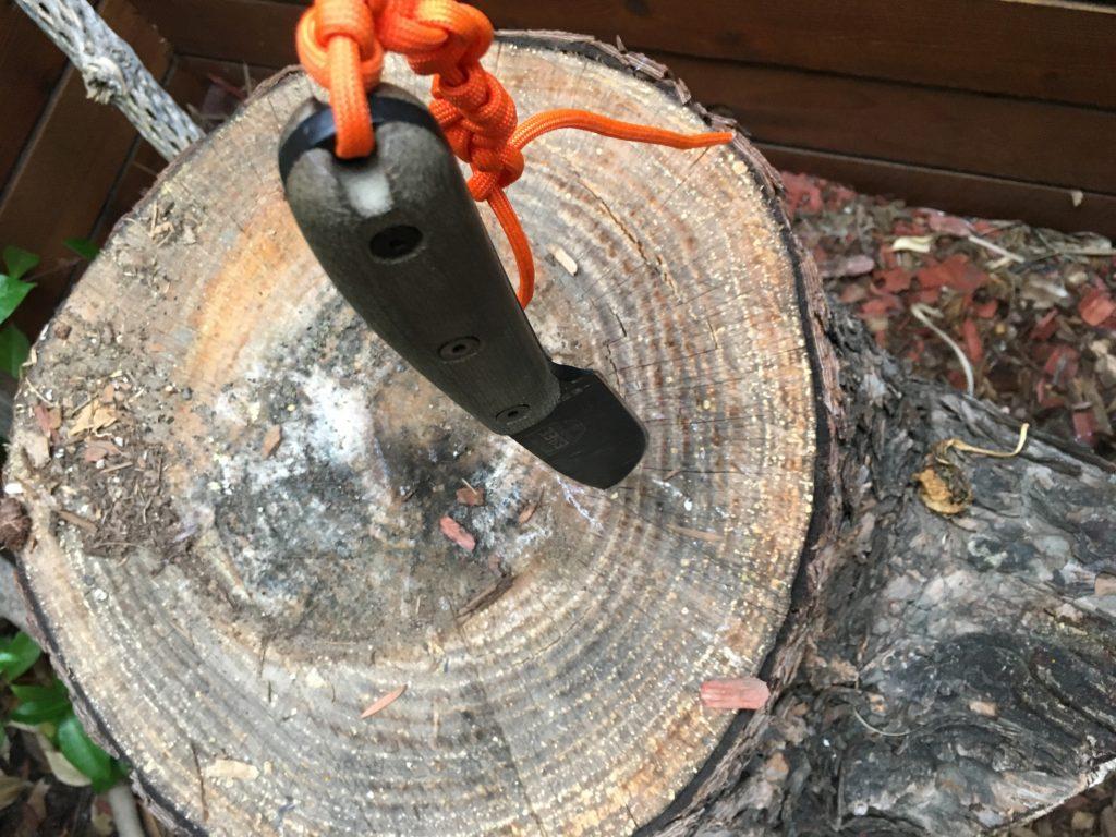 Esee 4HM in wood